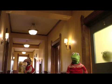 """A Muppets Christmas: Letters to Santa"" Blooper Compilation 