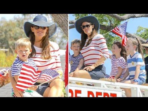 EXCLUSIVE - Jennifer Garner And Her Kiddies Enjoy A Fun Firetruck Ride On July 4th