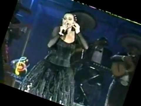 Rocio Durcal - cumpleaños- solo soy una niña de 4 caminos