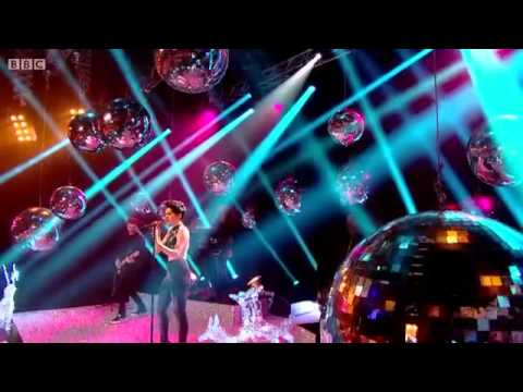 Jessie J - It's My Party (live at Top of the Pops Christmas 2013)
