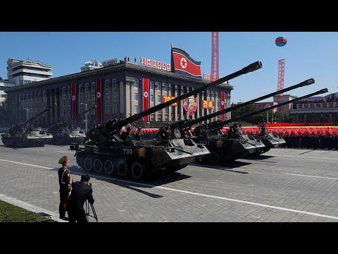 Β.Κορέα: Στρατιωτική παρέλαση χωρίς την επίδειξη πυραύλων μεσαίου βεληνεκούς…