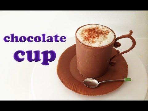 tazza di cioccolato con mousse