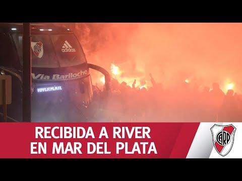 ¡MAR DEL PLATA ES DE RIVER! Mirá la espectacular recibida de los hinchas millonarios al plantel