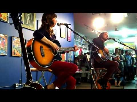 EarvinGotti - Silversun Pickups performs an acoustic version of
