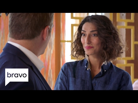 Girlfriends' Guide to Divorce: Gordon Breaks His Silence with Delia (Season 3, Episode 4) | Bravo