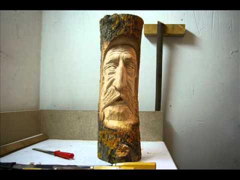 Tallado en Madera - Aqui podemos observar el proceso de tallado de madera en un tronco de tilo.