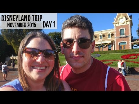 DISNEYLAND TRIP November 2016 | Day 1: In Love with California Adventure and Disneyland Christmas!