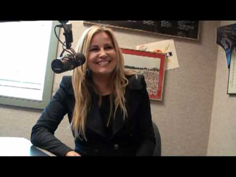 WKQQ - Jennifer Coolidge - Moonshine