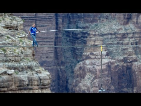 High-wire artist Nik Wallenda crosses Grand Canyon gorge