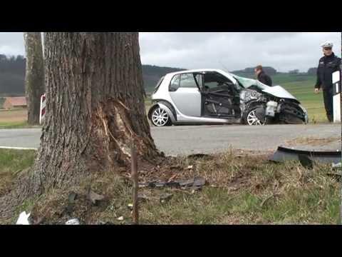 Korbach: Smart-Fahrer schwer verletzt