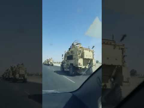 Talibowie prezentuja ich nowe samochody