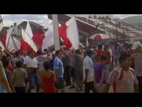 Los Andes Vs Nueva Chicago - Entrando la hinchada - La Banda Descontrolada - Los Andes