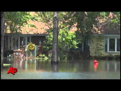 USTV-Memphis Giving Door-to-Door Flood Warning