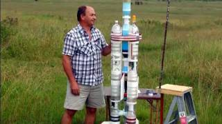 For more details see: http://www.aircommandrockets.com/day90.htm Acceleron V is a 2-stage cluster water rocket. On this ...