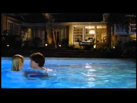 The Girl Next Door - Official Trailer (La Chica de al Lado) 2004