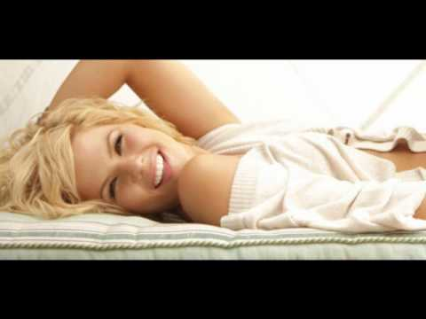 Hot Blonde Kimberly Caldwell Interview and Live - Desperate Boys and Stupid Girls