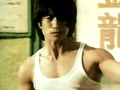 Levi's commercial in Bruce Lee Kung Fu style