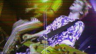 "image of Die Toten Hosen // ""Alles aus Liebe - Live"" [Offizielles Musikvideo]"