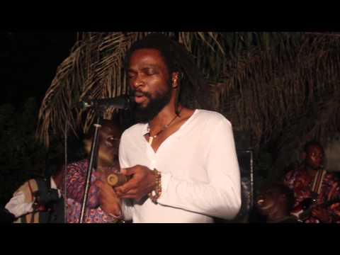 Beautiful Nubia - Live at EniObanke December 2014