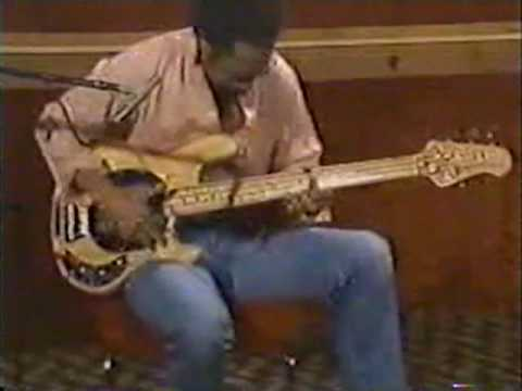 Louis Johnson Professional Bass Player in Real Time
