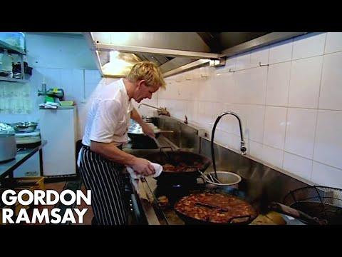 Gordon Ramsay Prepares & Cooks His Vietnamese Menu For Locals | Gordon's Great Escape - Thời lượng: 8 phút, 35 giây.