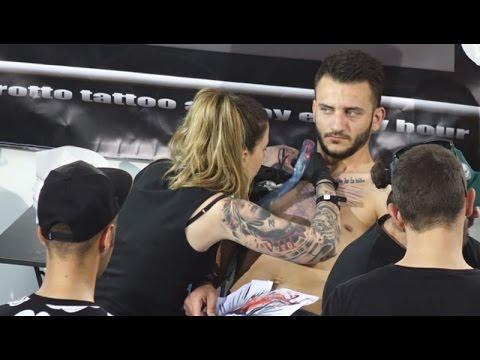 Έκτη διεθνής έκθεση τατουάζ
