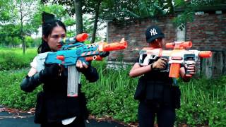 Video Superhero action Spiderman Lady & Super Girl Nerf guns Zombies bite S.W.A.T Rescue people Nerf war MP3, 3GP, MP4, WEBM, AVI, FLV Juni 2017