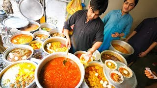 Video Street Food in Peshawar - SUPERHUMAN Curry + 100 Egg BIGGEST Chapli Kebabs + Pakistani Street Food! MP3, 3GP, MP4, WEBM, AVI, FLV Agustus 2019