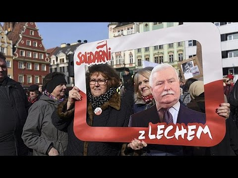 Πολωνία: Μαζική η λαϊκή στήριξη προς τον Λεχ Βαλέσα