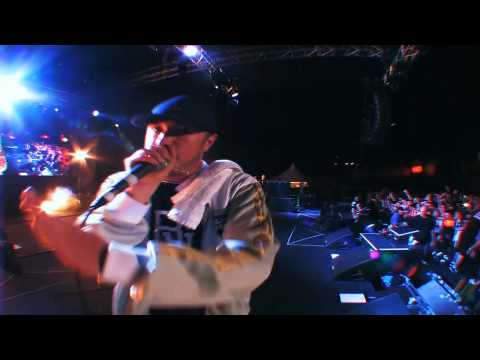 Exclusive: Scene From Bliss N Eso's Live DVD