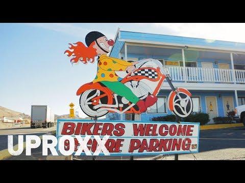 Let's Explore Nevada's Creepy Clown Motel | STORYFARM
