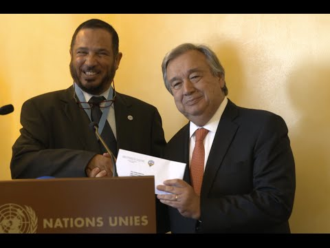 Kuwait donating money to UNHCR