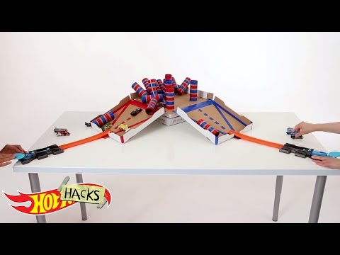 Knockdown Battle | Hot Hacks | Hot Wheels