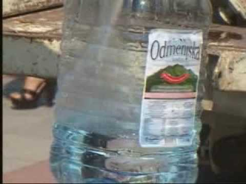 Упркос великој потражњи, у чачанским продавницама довољне количине воде