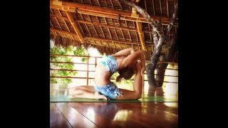 Yoga in treehouse: Kino MacGregor Yoga in Atmosphere's tree house