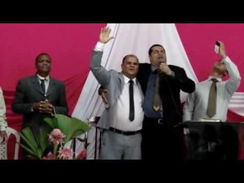 LÉO LEVITA (USA ME) NA ASSEMBLÉIA DE DEUS MISSÃO EM JIQUIRIÇÁ-BA