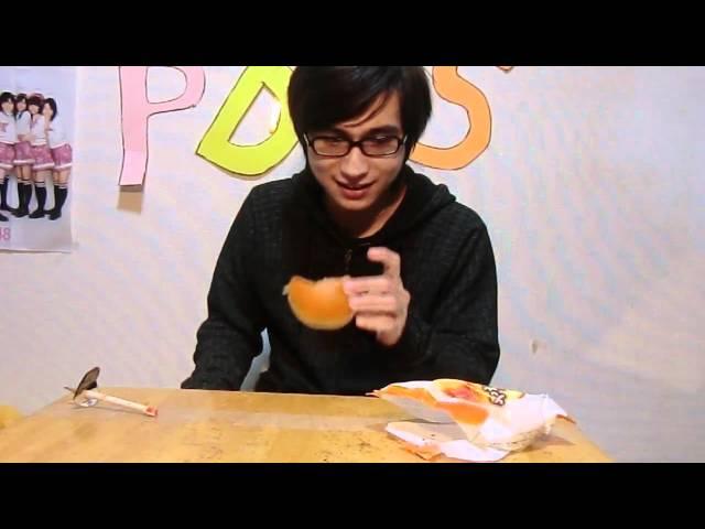 兄貴に七味唐辛子を隠し混ぜたパンを食べさせたMischievous Movie PDS