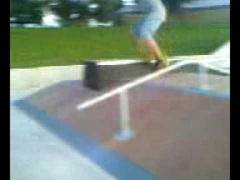 Creston Skatepark Pyramid handrail double WIN!