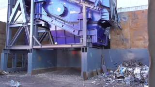 Enablelink's SPALECK Screen Deck on a BlueMAC frame producing quality scrap metal