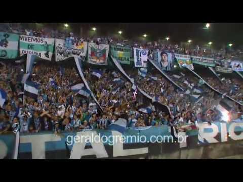 Geral do Grêmio - Defesa do penalti por Victor - Geral do Grêmio - Grêmio