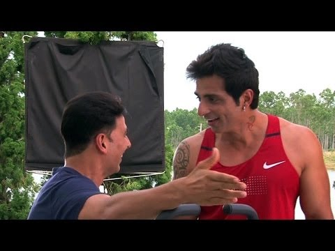 ENTERTAINMENT - It was Sonu Sood's turn to get ragged!! Watch this exclusive behind the scene wherein Akshay Kumar & Its Entertainment team are pulling leg of this Dabanng 1...