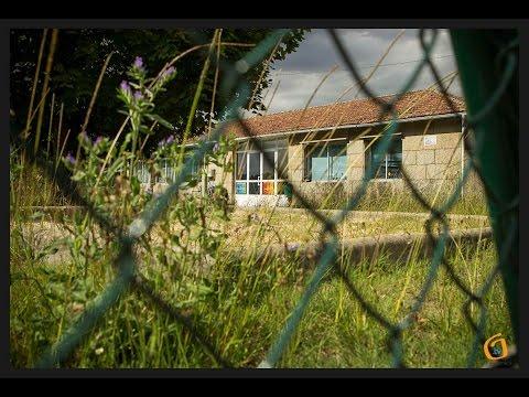 Estado do exterior do colexio Antía Cal de Chaín