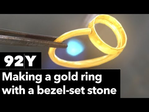 How to Make a Gold Ring With a Bezel-Set Stone