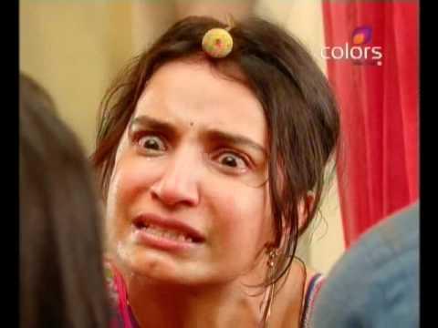 Video Balika Vadhu - Kacchi Umar Ke Pakke Rishte - July 27 2011 - Part 1/3 download in MP3, 3GP, MP4, WEBM, AVI, FLV January 2017