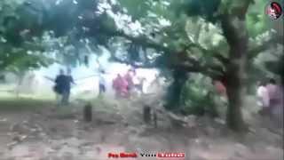 Detik2 cemas apabila helicopter PDRM yang cuba menghantar bantuan untuk mangsa banjir di Tanah Merah Kelantan telah jatuh terhempas. Alhamdulillah, berdasark...