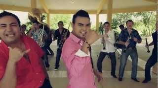 video y letra de Ando Bien Atravesado por German Lizárraga y su banda estrellas de Sinaloa