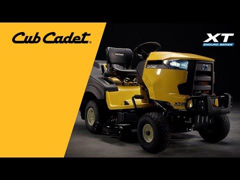 Садовый трактор CUB CADET XT2 PR106IE с травосборником - видео №1
