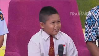 Video P3H - Bikin Terharu! Kisah Anak SD Yang Tiap Hari Melintasi Batas Negara Demi Pendidikan (20/9/18) 4 MP3, 3GP, MP4, WEBM, AVI, FLV Mei 2019