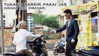 Download Video Kang Parkir Malah Bayarin Orang Parkir - Magic Prank Indonesia MP3 3GP MP4