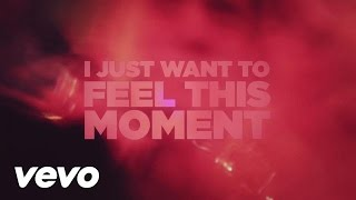 Pitbull featuring Christina Aguilera - Feel This Moment